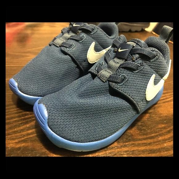 db916af708329 Nike Roshe One for toddler boy size 9C